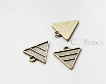 20pcs Antique Brass Tone Base Metal Charm - Triangle 16.5x15.5mm (24323Y-E-540)