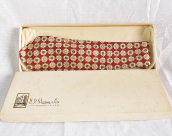 Clearance 1950's Vintage Red and Green Print Silk Necktie In Original Box H.P. Wasson & Co. Indianapolis Resilio
