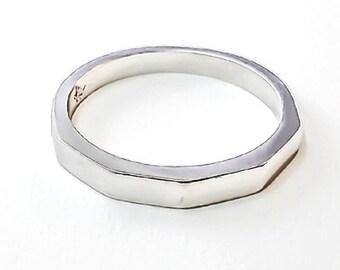 Pentagon Ring Platinum 900