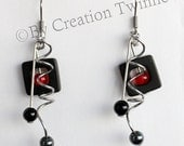 red and black earrings, red spiral earrings, bridesmaids gifts, mother gift, weddings favors, modern jewerly,square earrings, funky earrings