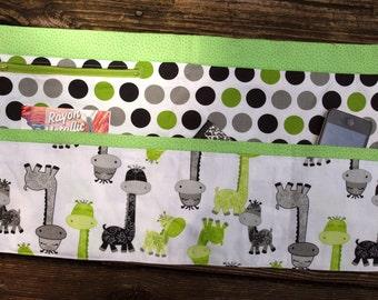 Giraffe Vendor Craft Apron, Farmer's Market, Teacher Apron, Utility Apron, Garden apron