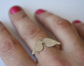 Tiny Love Birds Silver Ring, Love Birds,  Love Bird Jewelry, Valentines Jewelry, Valentines Ring, Bird Silhouette Jewelry, Kissing Birds 925