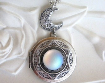 Moon Locket, Moon Necklace, Silver Locket Necklace, Moonstone Jewelry, Silver Moon Locket, Crescent Moon, Moon Jewelry, Full Moon