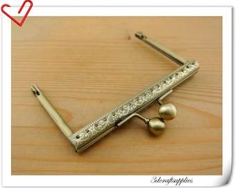 10.5 cm x 6.5 cm ( 4 inch x  2.5  inch ) Anti brass sewing purse frame with loops  handbag frame Z57