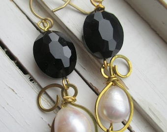 Top Hat earrings, bridal earrings, wedding accessory, faceted black onyx, freshwater pearl and gold swirls, glam cocktail attire