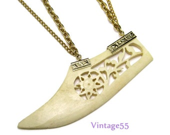 Vintage Necklace Asian Carved Ox Bone