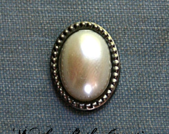 Ivory Pearl Bindi - Facial Jewelry, Forehead Adornment, ATS, Tribal Fusion, Belly Dance, Steampunk