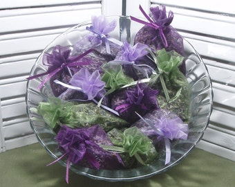 Party favors, 12 lavender sachets, wedding, bridal shower, new baby, Thank You gifts, 12 organza bags filled with 100% dried lavender