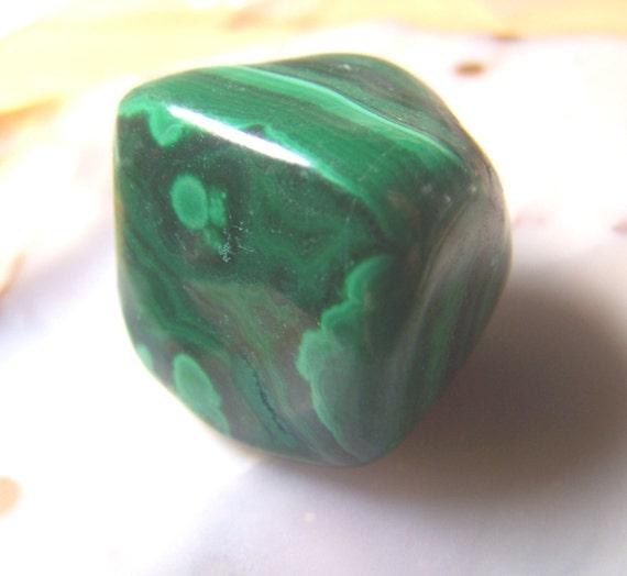 Malachite d gringol pierre vert brillant paisseur grand - Vert de malachite ...