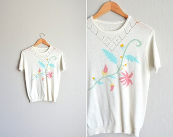 SALE / vintage white knit POINTELLE FLORAL short sleeve sweater top. size s m.