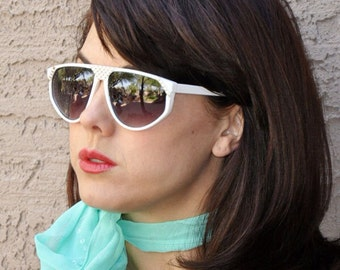 1980s vintage plastic with gold studs sunglasses