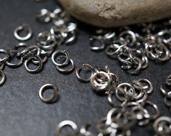 50% OFF SALE - Surgical Stainless Steel Open Jump Rings 4mm x 0.7mm thick - 50 pcs