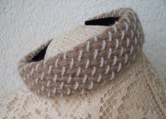 Wool headband tan white