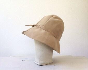 vintage cloche / vintage felt hat / Jean Hess travel hat