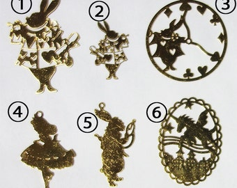 5 pieces - Alice in Wonderland, Fairy tale brass filigree charms