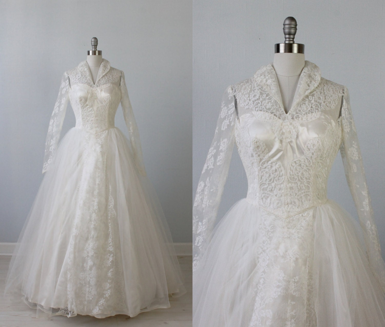 1950s Wedding Dress / 1950s Lace Wedding Gown / High Collar