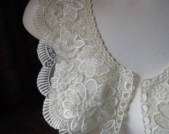 Lace Applique pair in IVORY for Bridal, Garments, Costumes PR 278iv