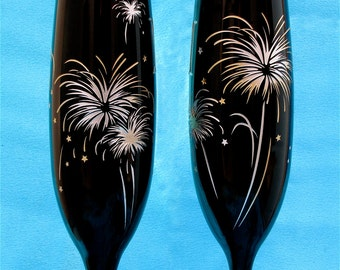 2 Black Champagne Flutes, Fireworks Themed Wedding, Personalized Wedding Toast Flutes, 4th of July