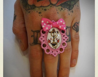 Old School Pin up sailor jerry anchor ring, light pink