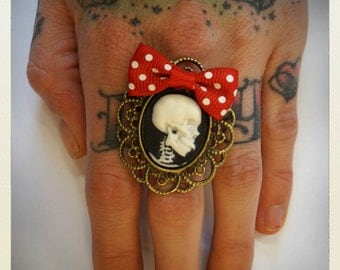Large Old School Pin Up- Skull Ring, red bow