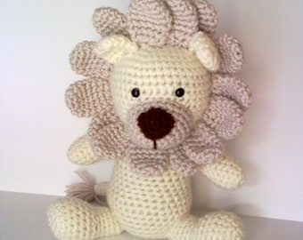 Rory the Lion Crochet Pattern