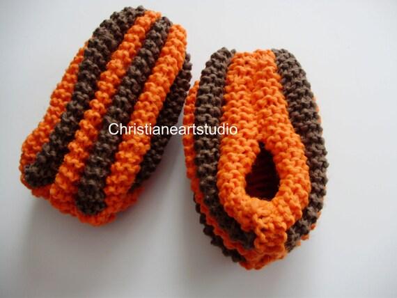 Knitting Patterns For Slippers Phentex : Phentex slippers orange brown pantoufles phentex slippers hand