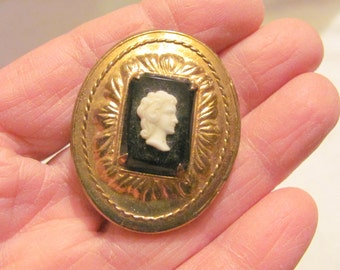 Vintage Cameo Pin in brass casing, on sale!