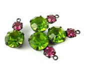 2 - Vintage Round Glass Stones in 1 Ring 2 Stones Black Antique Brass Prong Settings - Olivine & Fuchsia - 15x9mm .