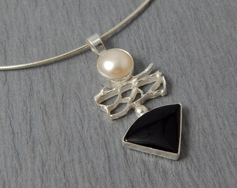 Pagoda, sterling silver pearl and onyx Lacy Necklace with Omega Chain