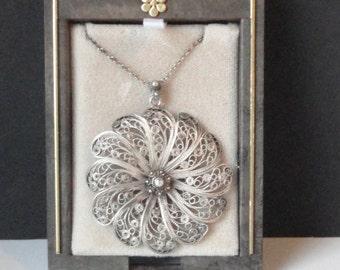 Vintage STERLING SILVER Filigree Flower Necklace.