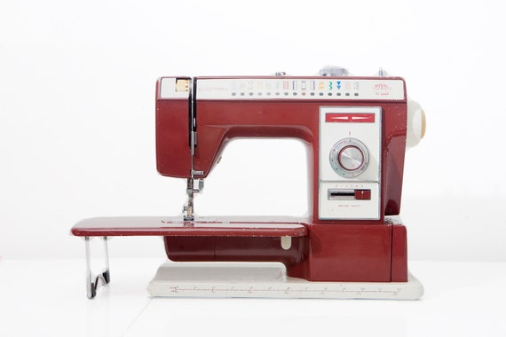 vintage royal electra xl 6000 cherry red sewing machine. Black Bedroom Furniture Sets. Home Design Ideas