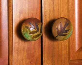 two cabinet knobs pulls rustic cabin ceramic botanical woodland handmade leaf impressions forest tree leaves