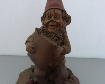 Vintage Cairn Studio Tom Clark Gnome Newt is Holding a Fig Newton