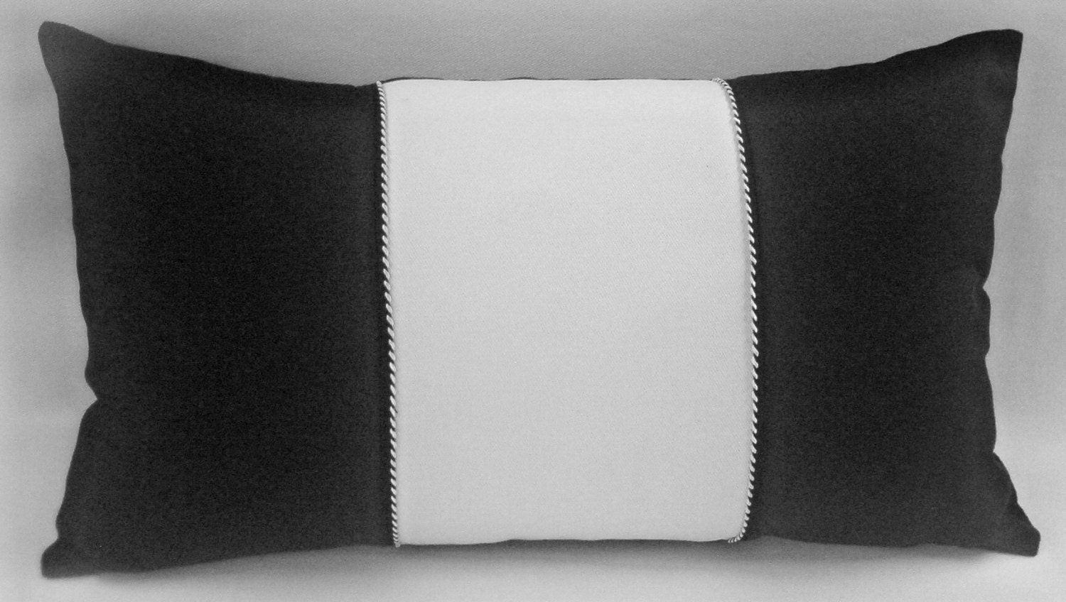 lumbar accent pillow 100 linen black and white. Black Bedroom Furniture Sets. Home Design Ideas