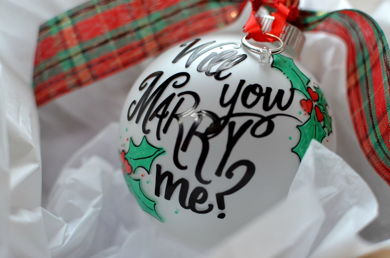 Will you marry me christmas ornament -  Zoom