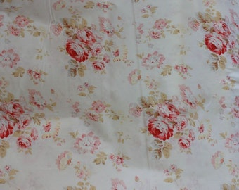 Durham Revival by Lecien Red  Bouquet Red Roses on Cream 30821-30