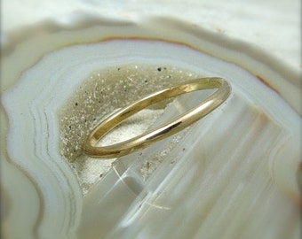 Solid 14K Gold Ring / Yellow or Rose Gold / Wedding Band / Gold Stacking Ring / Gold Wedding Ring /