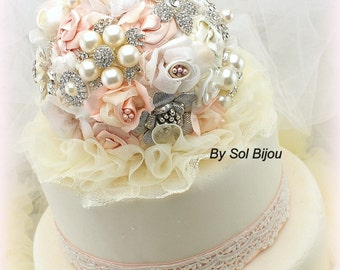 Blush Cake Topper, Ivory, Cream, Brooch Topper, Vintage Style, Gatsby, Elegant Wedding, Jeweled Topper, Cake Decoration, Pearls, Lace
