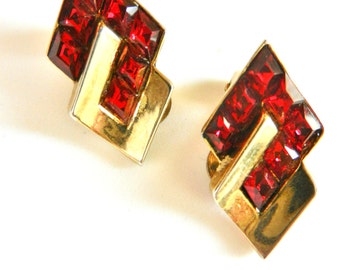 Very beautiful  Vintage 1950's Signed Crown Trifari Ruby Red Rhinestone Earrings -for the collection and perfect to wear- Art.970-