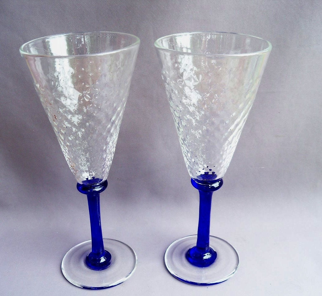Hand blown art glass champagne glasses set of 2 - Hand blown champagne flutes ...