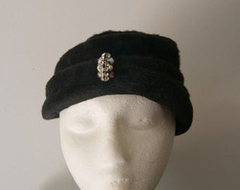 Vintage1960s  Felted Fur Turban Style Hat in Original Round Hat Box
