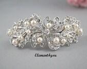 Bridal barrette, Rhinestone pearl barrette, Bridal hair barrette, Wedding Hair piece, Swarovski pearls, Ivory White Wedding Accessory
