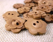 WB12054 - 18mm Flower Crafted Design Wood Buttons, 18mm Flower Crafted Design Wooden Buttons (10 in 1 set)