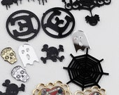 13 Plastic large Plastic Gothic Punk Charms Pendants Skulls Zombie Heart Spider Web Mixed Lot