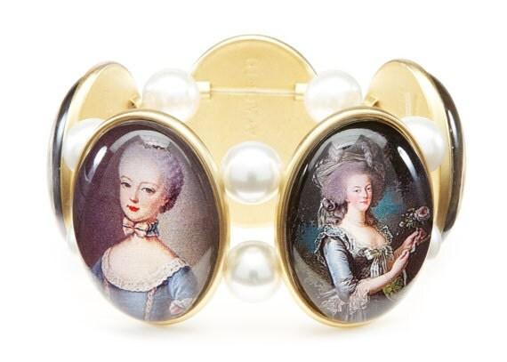 Marie Antoinette Cameo Stretch Bracelet