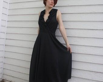 Vintage Black Dress 1970s Sleeveless Ruffle XS 70s Jody