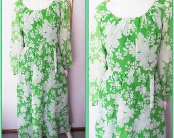 Vtg.Kelly Green White Miss Elliette Floral Hostess Maxi Gown Dress.M.Bust 38.Waist 29.