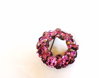 Vintage WARNER rhinestones circle brooch Pink prong set stones