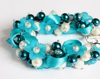 Cerulean Blue Flower and White Cluster Bracelet and Earrings Set
