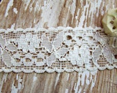 Romantic Vintage Floral Ivory Net Lace a little over 1 inch wide – 1 yard